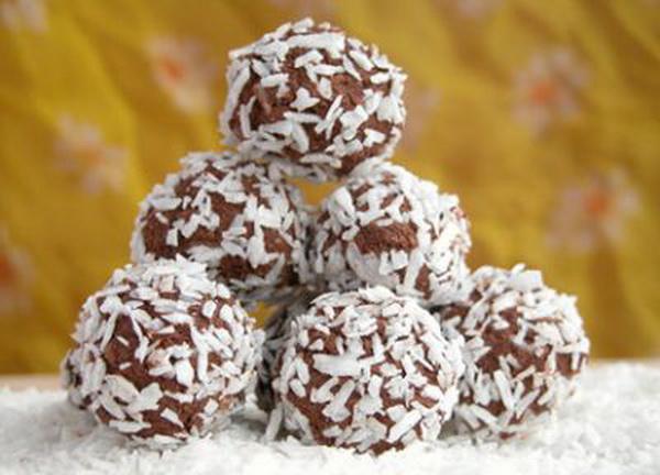 cokoladne_kuglice_sa_kokosom_ 1