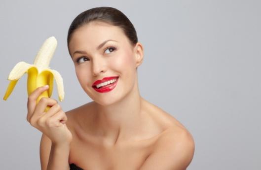 izbelite-zube-korom-od-banane-1376130271-10370 1